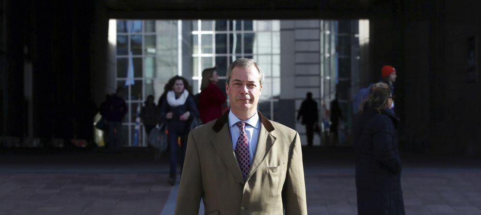 Foto: El líder del Ukip, Nigel Farage, a las puertas del Parlamento Europeo en Bruselas el pasado mes de febrero (Reuters).