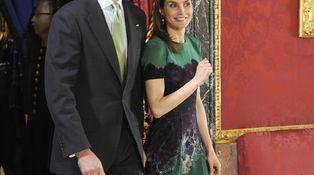 Vuelve a escena el vestido de Doña Letizia que pasó desapercibido en Japón