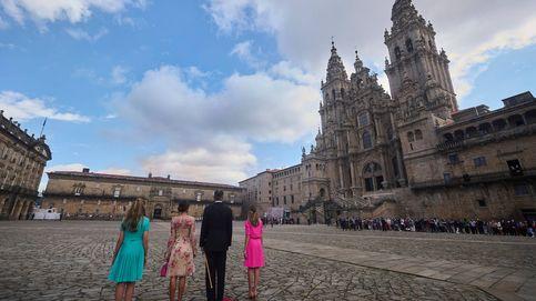 Del bronceado de Leonor y Sofía al beso de los Reyes: los 7 detalles que vimos en Santiago
