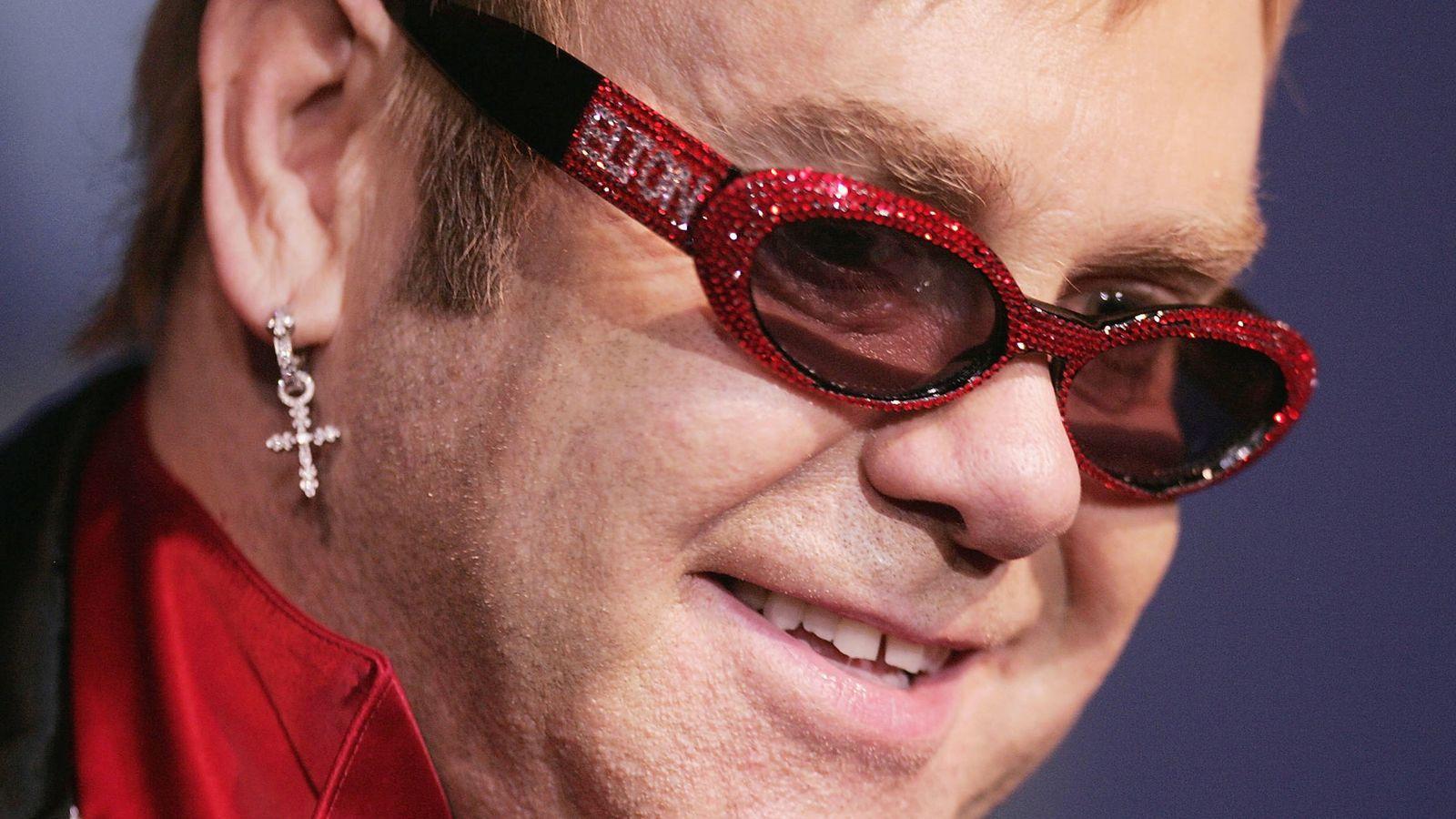 Foto: Elton John, durante un concierto. (Getty)