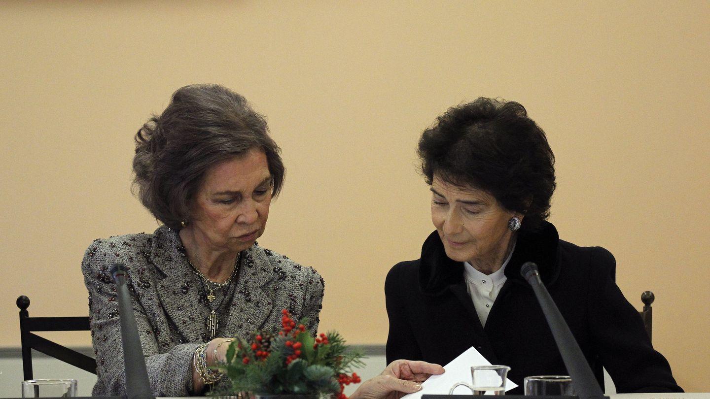 La reina doña Sofía, con la presidenta de la Escuela Superior de Música Reina Sofía, Paloma O'Shea. (EFE)