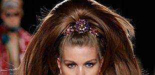 Post de El peinado de altura retro de Versace (que te hará crecer unos cuantos centímetros)