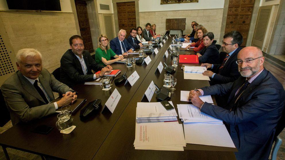 Ni referéndum ni presos: Torra choca con Sánchez, pero no se va de la mesa