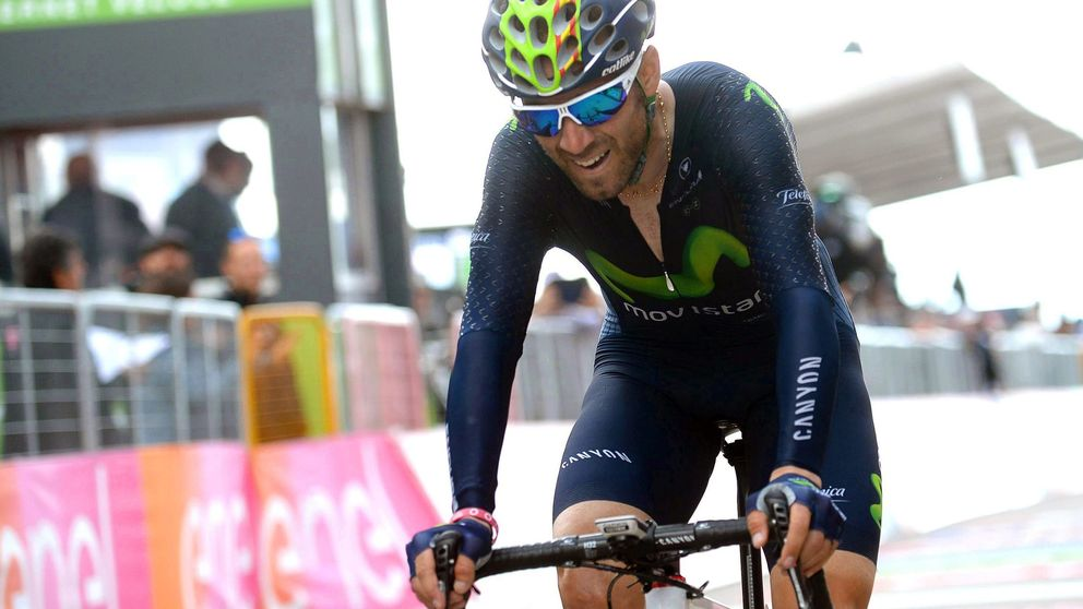 Valverde agacha la cabeza metiendo presión a Kruijswijk: Será el campeón