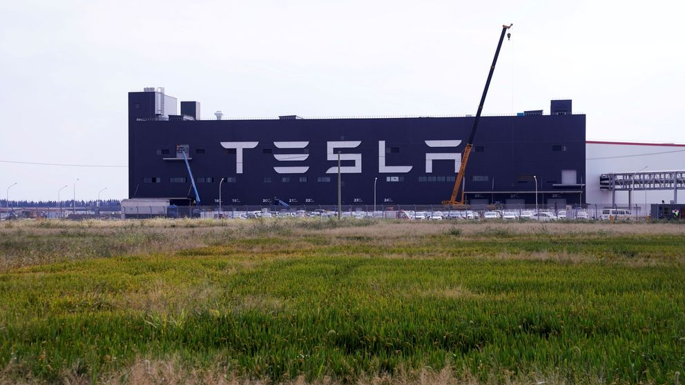 Tesla sorprende al volver beneficio y se dispara un 16% en Wall Street