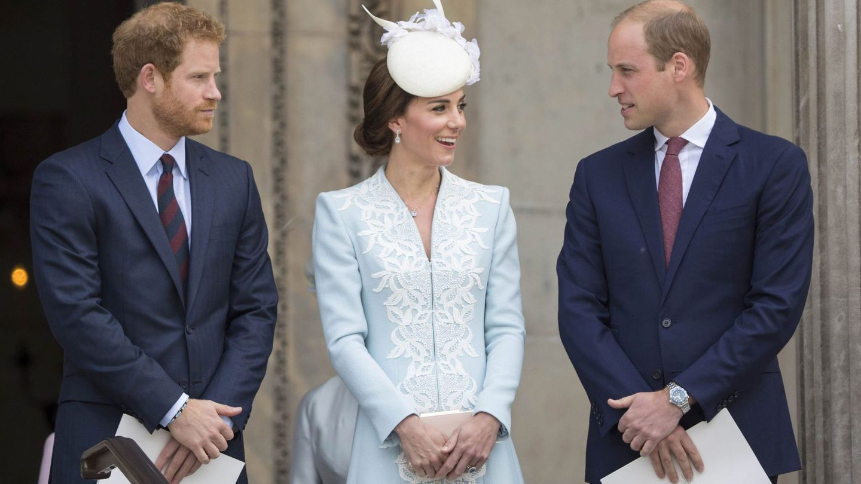 Harry con los duques de Cambridge en una imagen de archivo. (EFE)