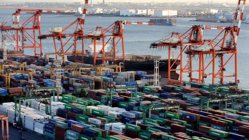 Foto: Puerto lleno de containers