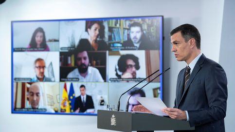 Sánchez replica a un Vox en la calle que no va a caer y que hay Gobierno para cuatro años