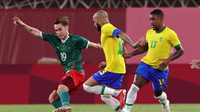 Lance del Brasil-México. (Reuters)