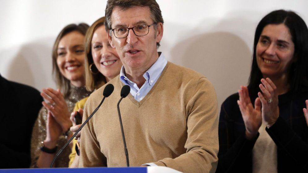 Foto: El presidente del Partido Popular de Galicia, Alberto Núñez Feijóo, comparece ante los medios de comunicación para valorar los resultados de las elecciones generales. (EFE)