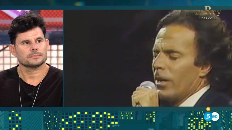 El monumental zasca de Javier Santos a Julio Iglesias en 'Sábado Deluxe'