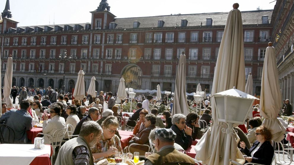 España es un bar: 1,54 millones de trabajadores viven ya de la hostelería
