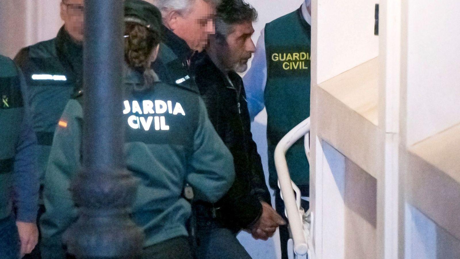 Foto: Bernardo montoya, en el momento de llegar al juzgado tras ser detenido