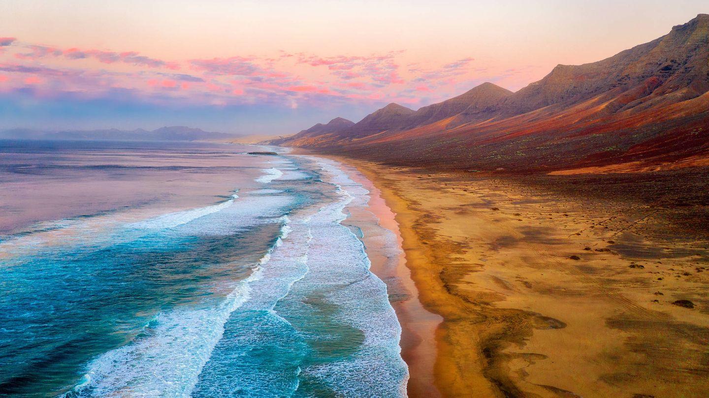 Atardecer en la playa de Cofete. (Fuerteventura)