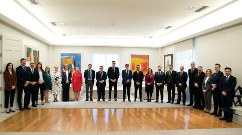 Sánchez suspende en paridad en la Moncloa: solo 9 de 26 altos cargos son mujeres
