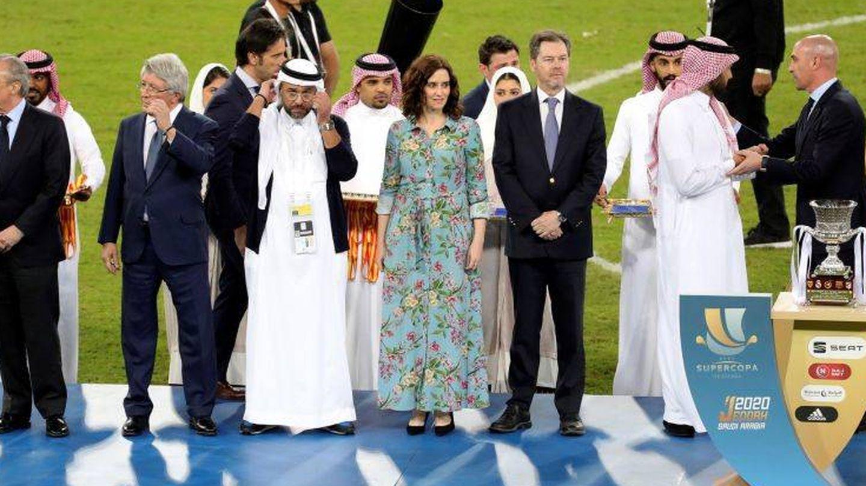 Imagen de la entrega de trofeos de la final de la Supercopa de España disputada este año en Arabia Saudí. (EFE)