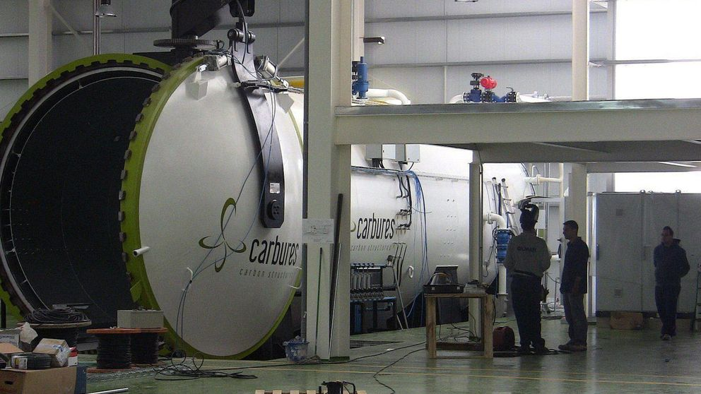 Inypsa y Carbures se calientan más de un 5% en bolsa tras anunciar su fusión