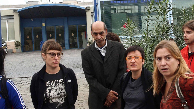 Mireia Vehí, en una visita a unos huelguistas. (EFE/Toni Albir)
