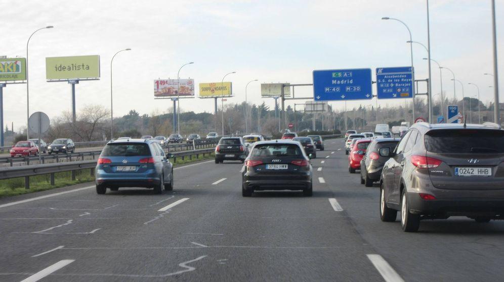 Foto: Muchos conductores circulan muy pegados al coche de delante.