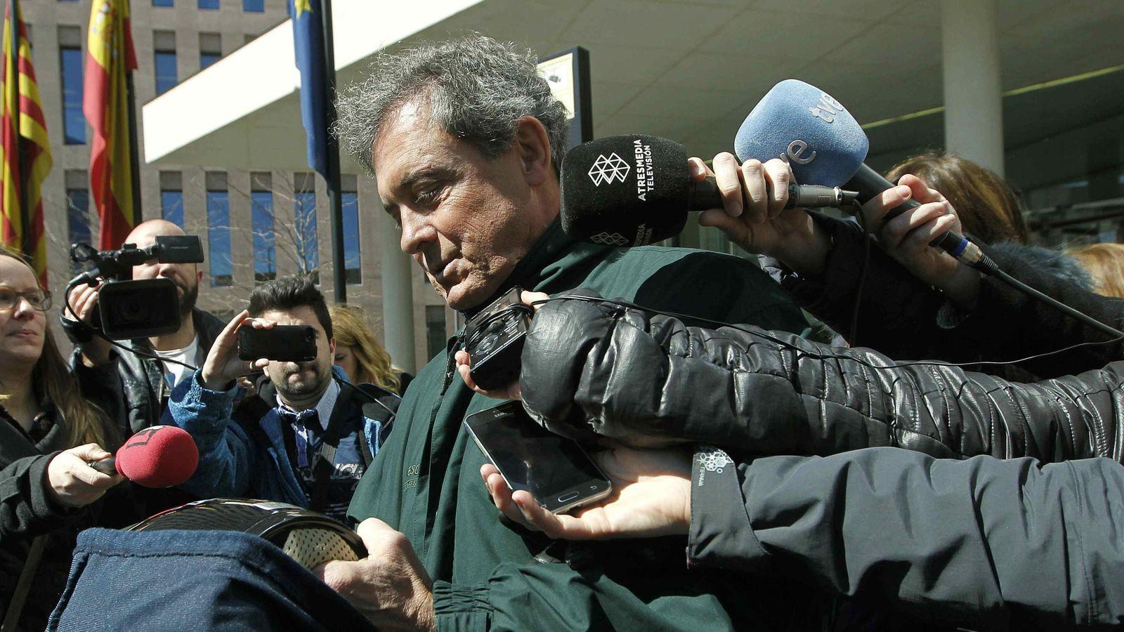 Foto: Jordi Pujol Ferrusola, ante los medios de comunicación. (EFE)