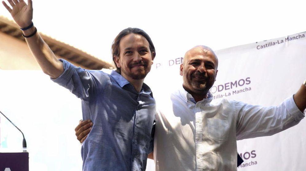 Foto: El secretario general de Podemos Castilla-La Mancha, José García Molina, y Pablo Iglesias. (EFE)