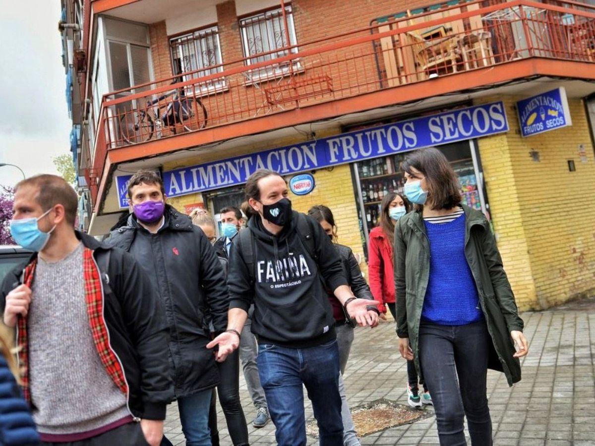 Foto: Iglesias visita despensas solidarias en Vallecas durante la Semana Santa. (EFE)