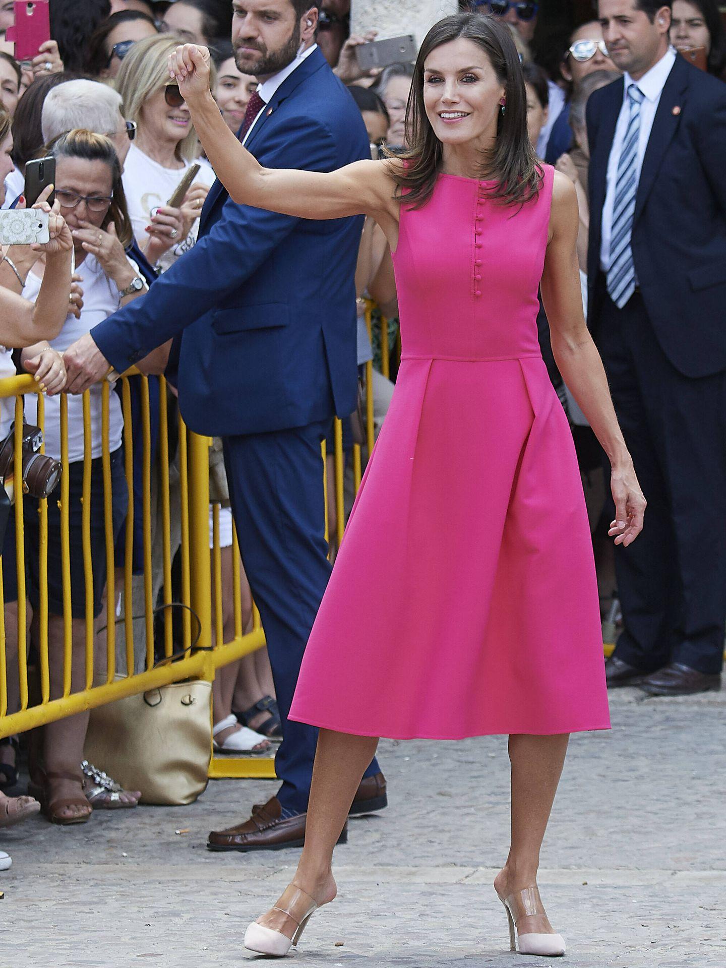 La reina Letizia con zapatos de vinilo en Almagro. (Getty)