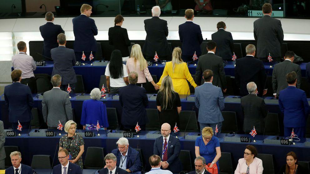 Los diputados del Brexit le dan la espalda al himno de la Unión Europea