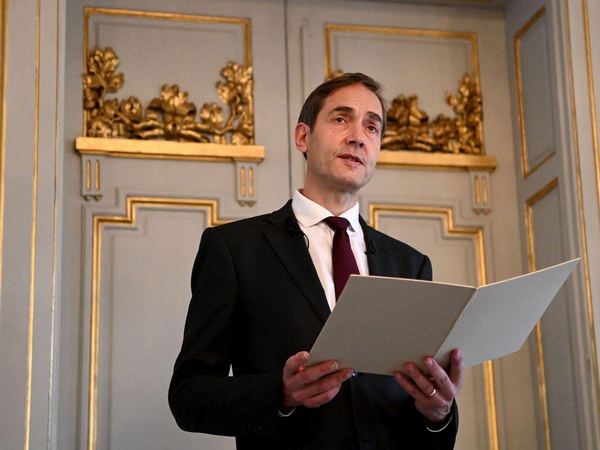 Foto: El secretario de la Academia Sueca anuncia el premio Nobel de Literatura para Abdulrazak Gurnah. (EFE)
