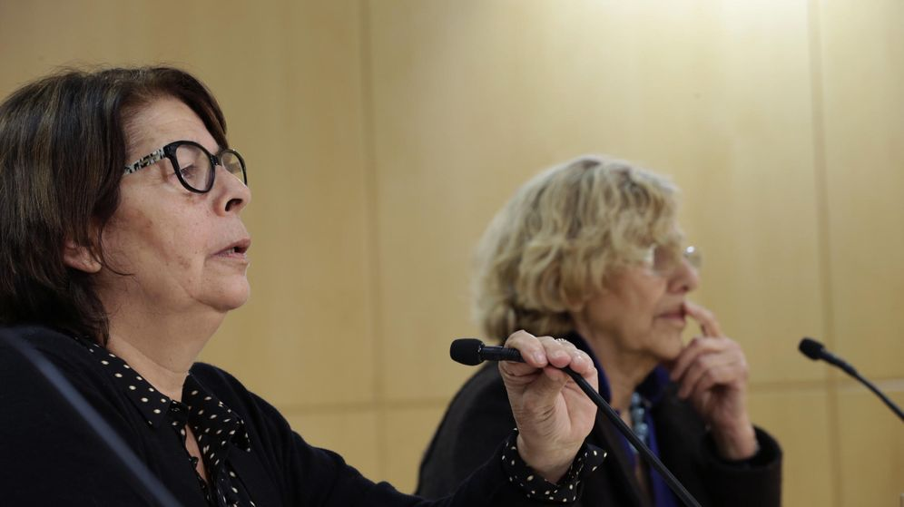 Foto: Inés Sabanés y Manuela Carmena.