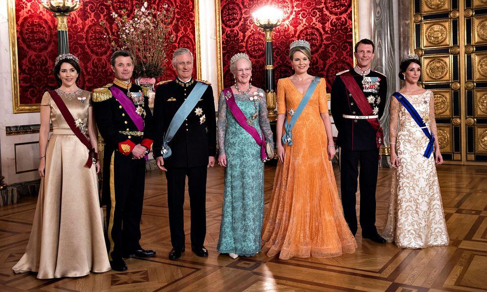 Foto: La familia real danesa junto a los reyes belgas. (Reuters)