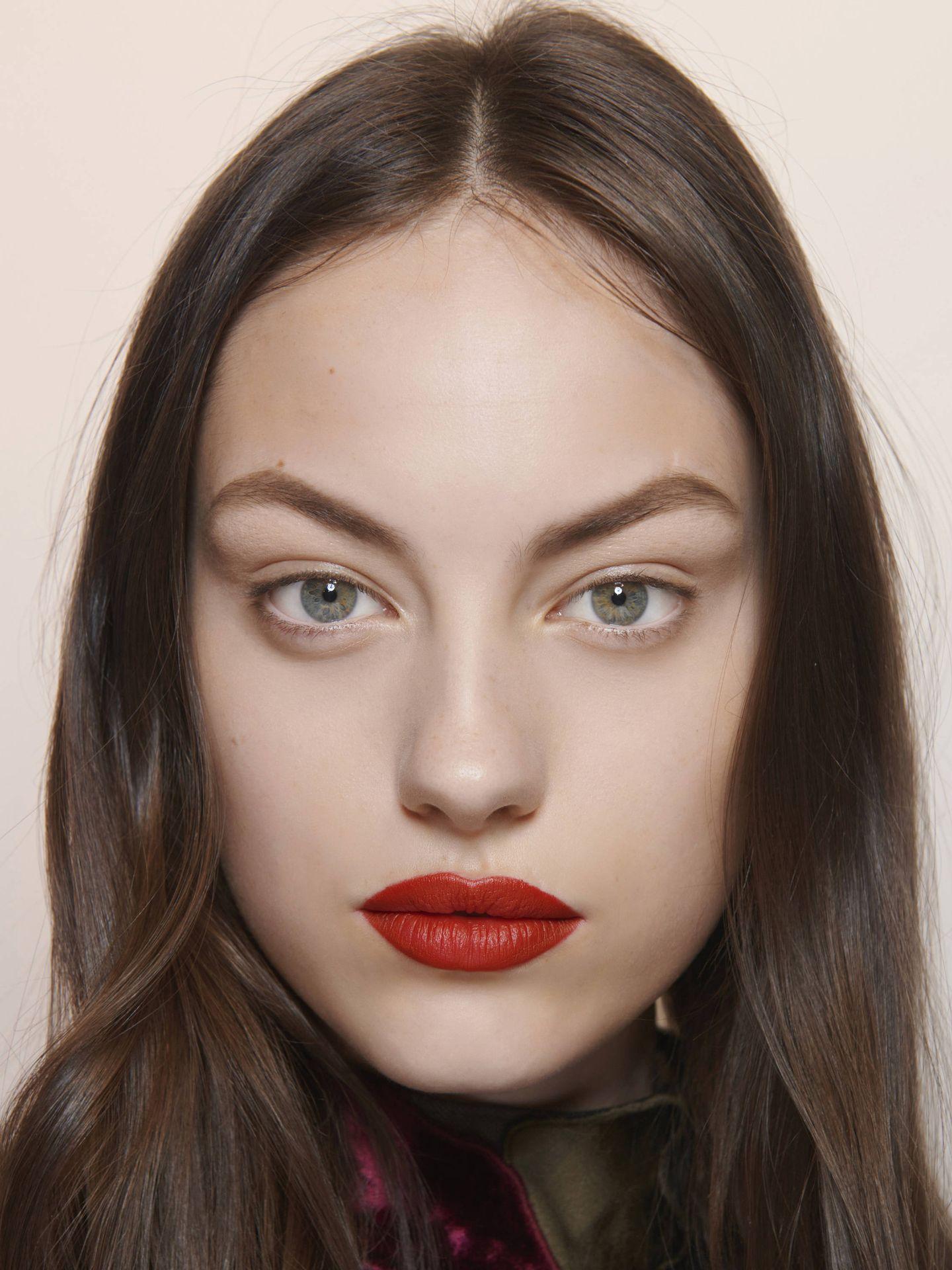 Los tintes de labios se filtran en la piel y no transfieren. (Imaxtree)