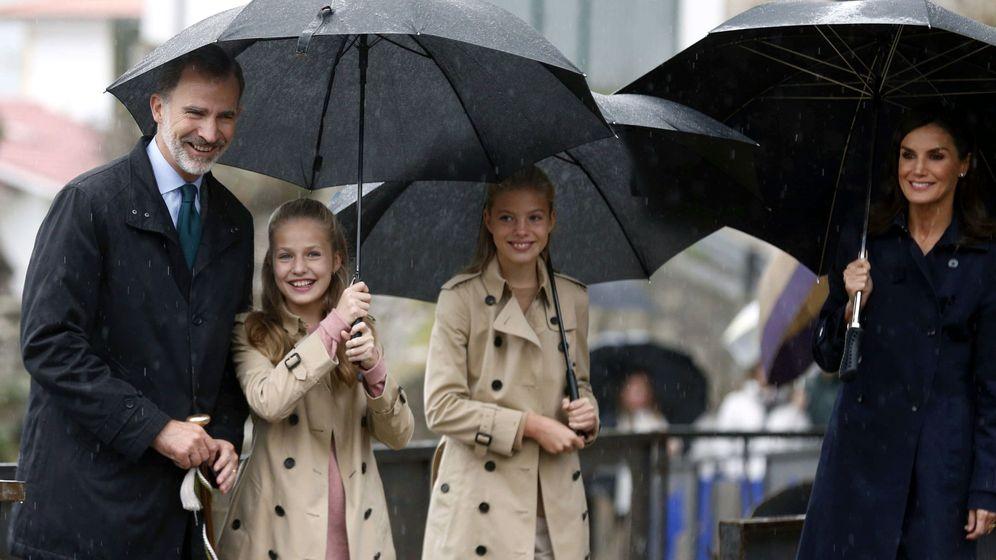 Foto: Los reyes Felipe y Letizia, con Leonor y Sofía. (EFE)