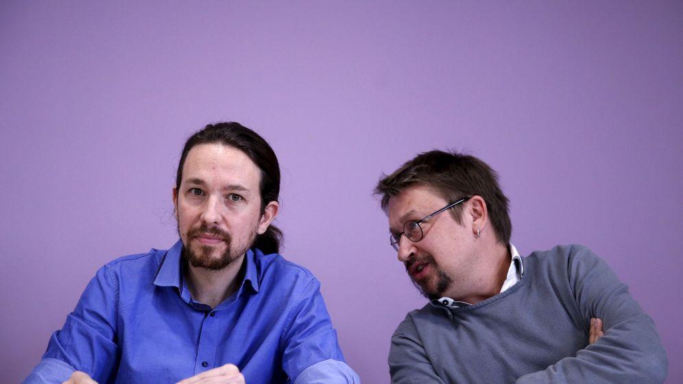 Foto: Pablo Iglesias y Xavier Domènech, portavoz de En Comú Podem, el pasado 12 de enero. (Reuters)