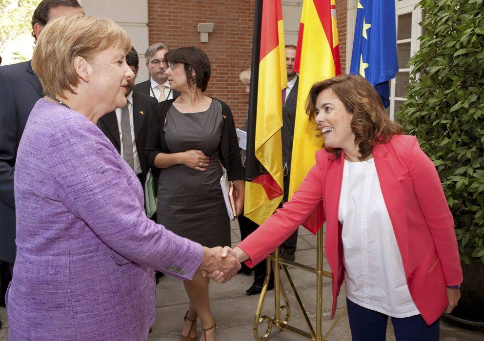 Foto: Soraya Sáenz de Santamaría y Angela Merkel. (EFE)