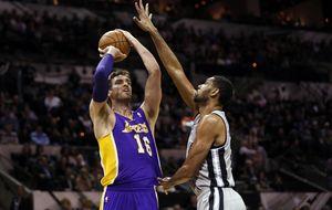 Los Lakers certifican su ausencia de los play-off con otra humillación