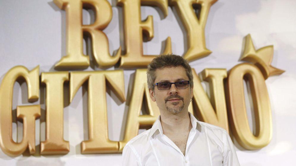 Foto: El cineasta Juanma Bajo Ulloa, durante la presentación hoy en Madrid de 'Rey Gitano' (EFE)