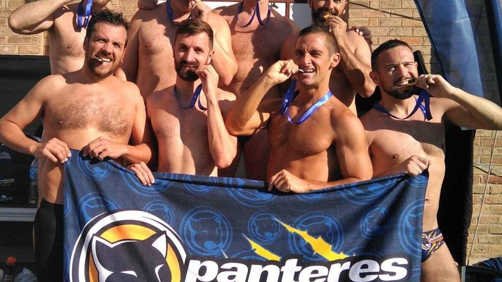 Foto: Los nadadores de los Panteres Grogues. (Foto: Twitter/@PanteresGrogues)