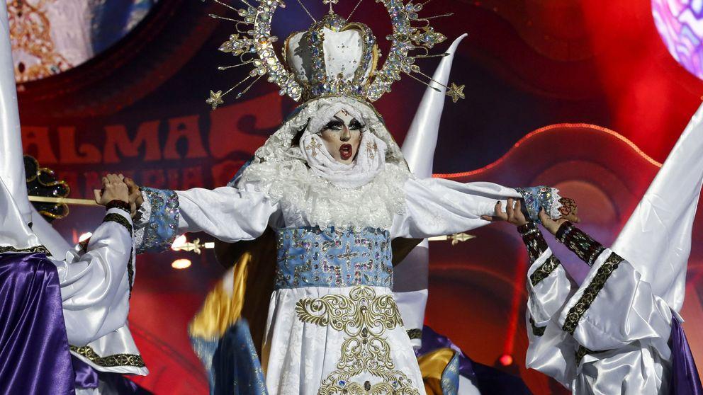 Crucificada como Cristo y vestida de Virgen, Drag Sethlas gana en el carnaval de Las Palmas