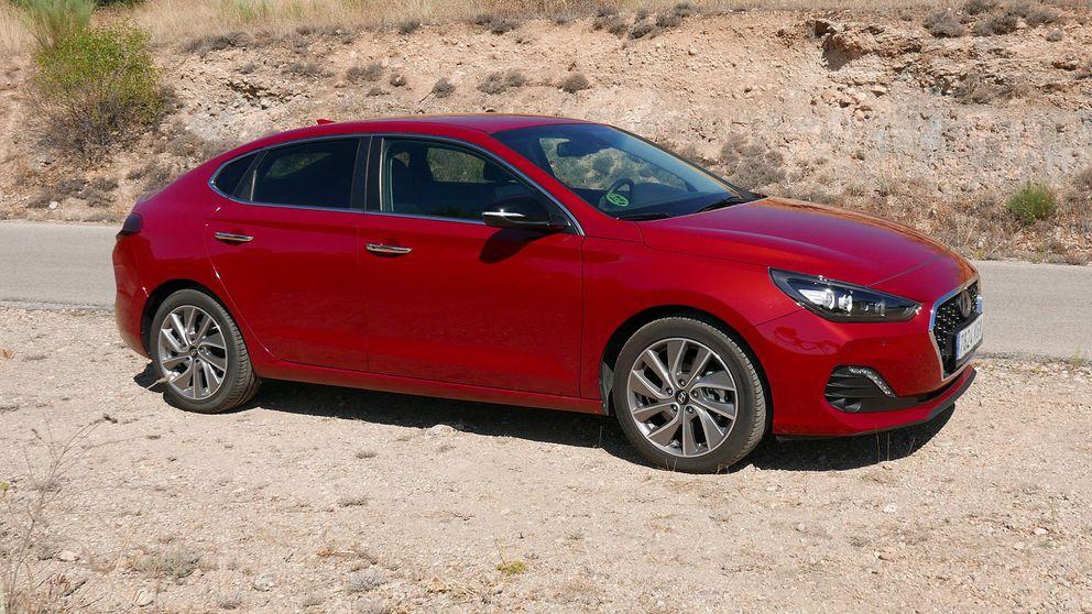 Hyundai i30 Fastback: imbatible calidad-precio, muy útil (pero con un motor justo)