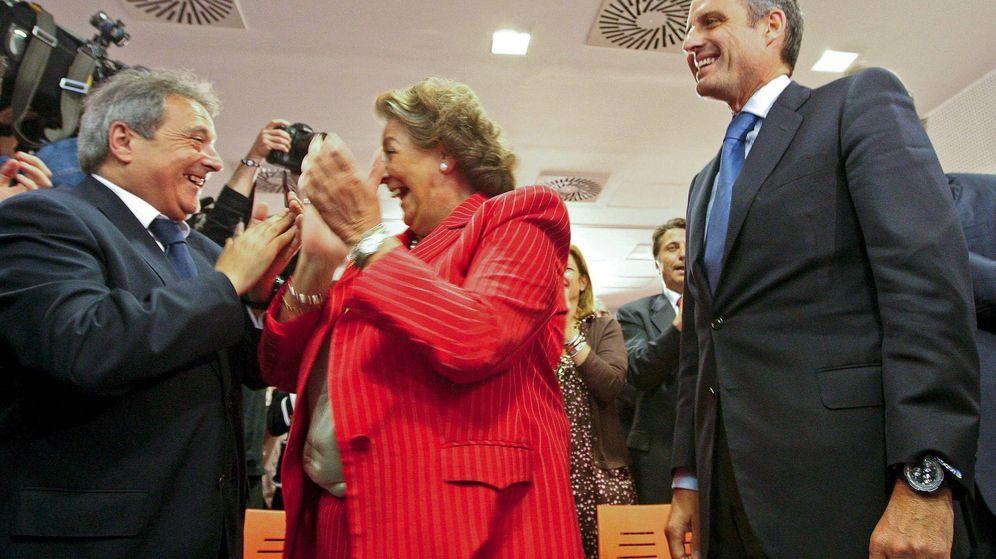 Foto: Alfonso Rus, con Rita Barberá y Francisco Camps. (EFE)