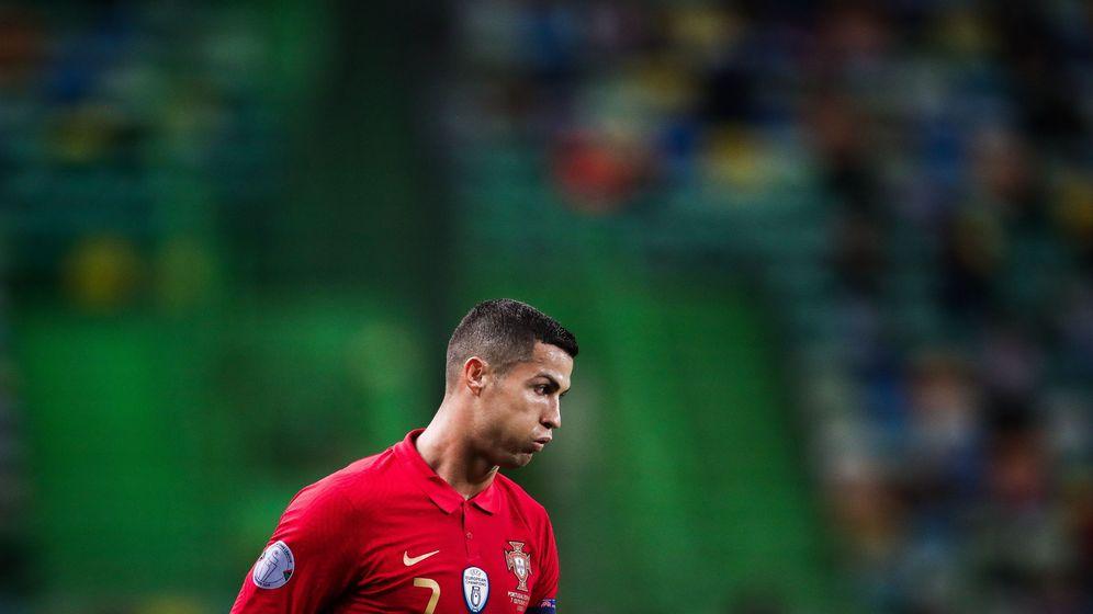 Foto: Cristiano Ronaldo, en el partido frente a España. (EFE)