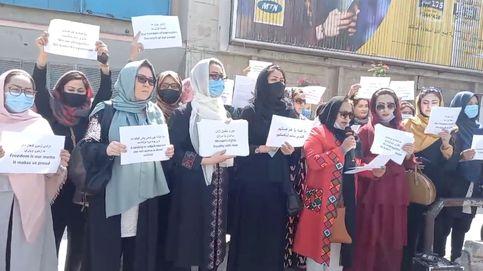 Enfrentamientos en las protestas de mujeres en Kabul para pedir inclusión en el gobierno talibán