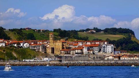 Getaria: pasea junto al mar en el pueblo de Balenciaga y alójate en un caserío con glamour