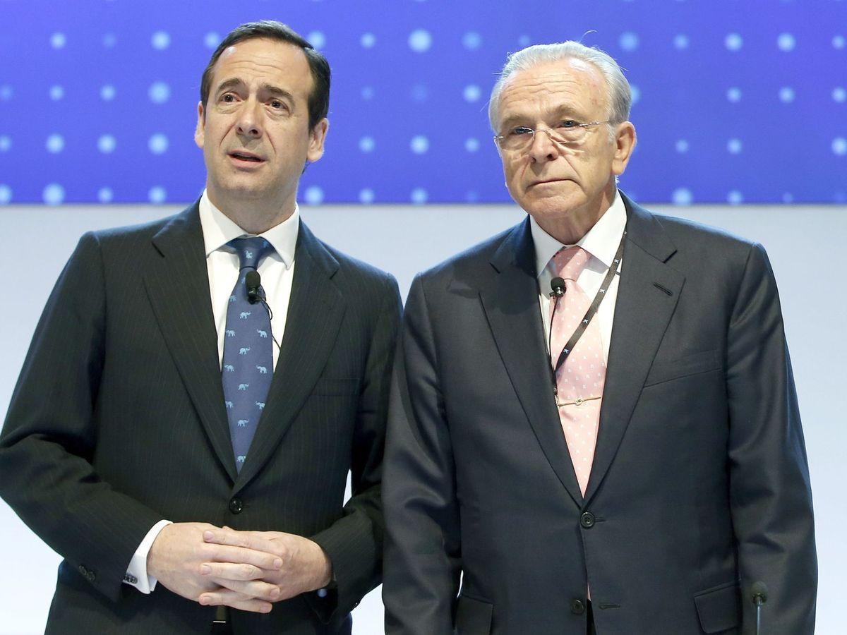 Foto: Gonzalo Gortázar (CaixaBank) e Isidre Fainé, presidente de CriteriaCaixa. (EFE)