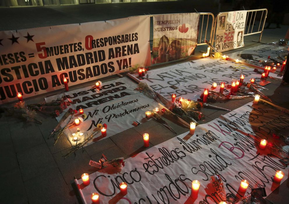 Foto: Vigilia en el segundo aniversario de la tragedia del Madrid Arena. (Efe)
