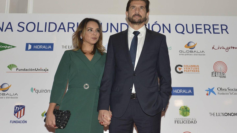 Chenoa, junto a su futuro marido. (Cordon Press)