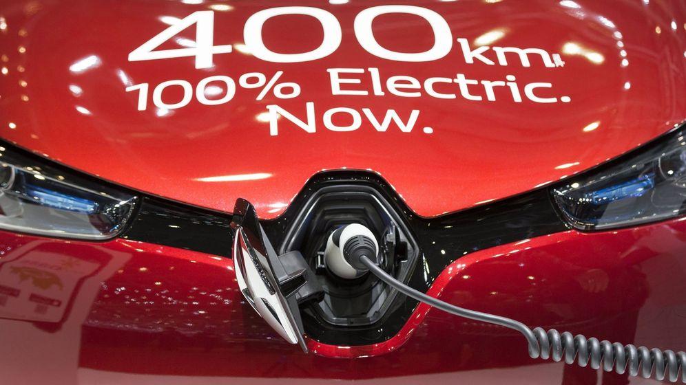 Foto: Presentación del coche eléctrico Renault ZOE durante el día abierto a la prensa del Salón Internacional del Automóvil de Ginebra (Suiza). (EFE)