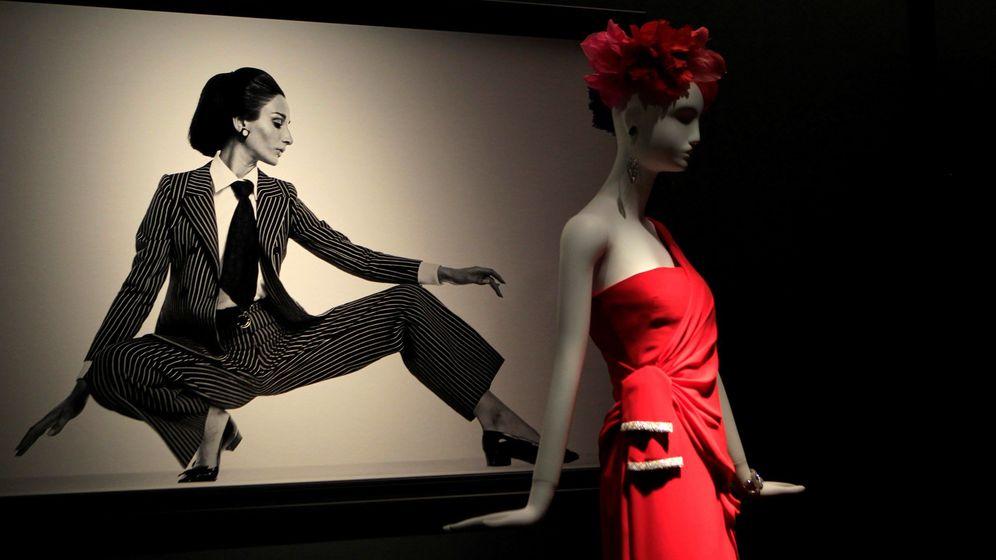 Foto: Telva homenajea el estilo y el vestuario de Naty Abascal con una exposición en el Museo de Bellas Artes de San Fernando. (EFE)