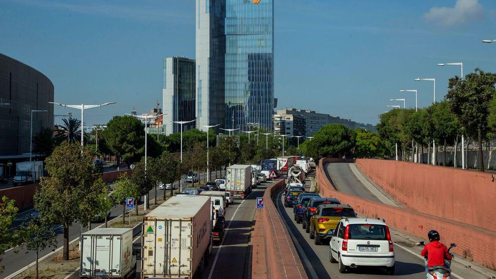 Foto: Tráfico intenso en Barcelona. Foto: EFE Enric Fontcuberta